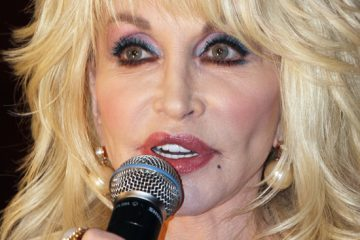 Happy 75th birthday, Dolly Parton! By Tanya Gold
