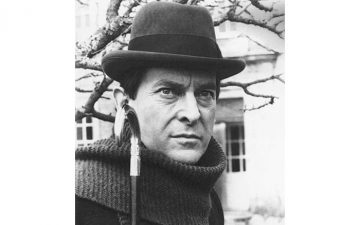 Damian Thompson - Television's best Sherlock Holmes