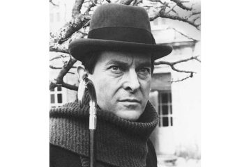 Damian Thompson - Television's best Sherlock Holmes