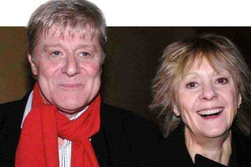 Martin Jarvis, Comedy King - Valerie Grove