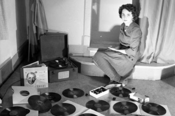 Golden Oldies: Bring back the turntable